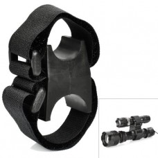 Универсальный держатель для подствольного фонаря (пластик, нейлон)